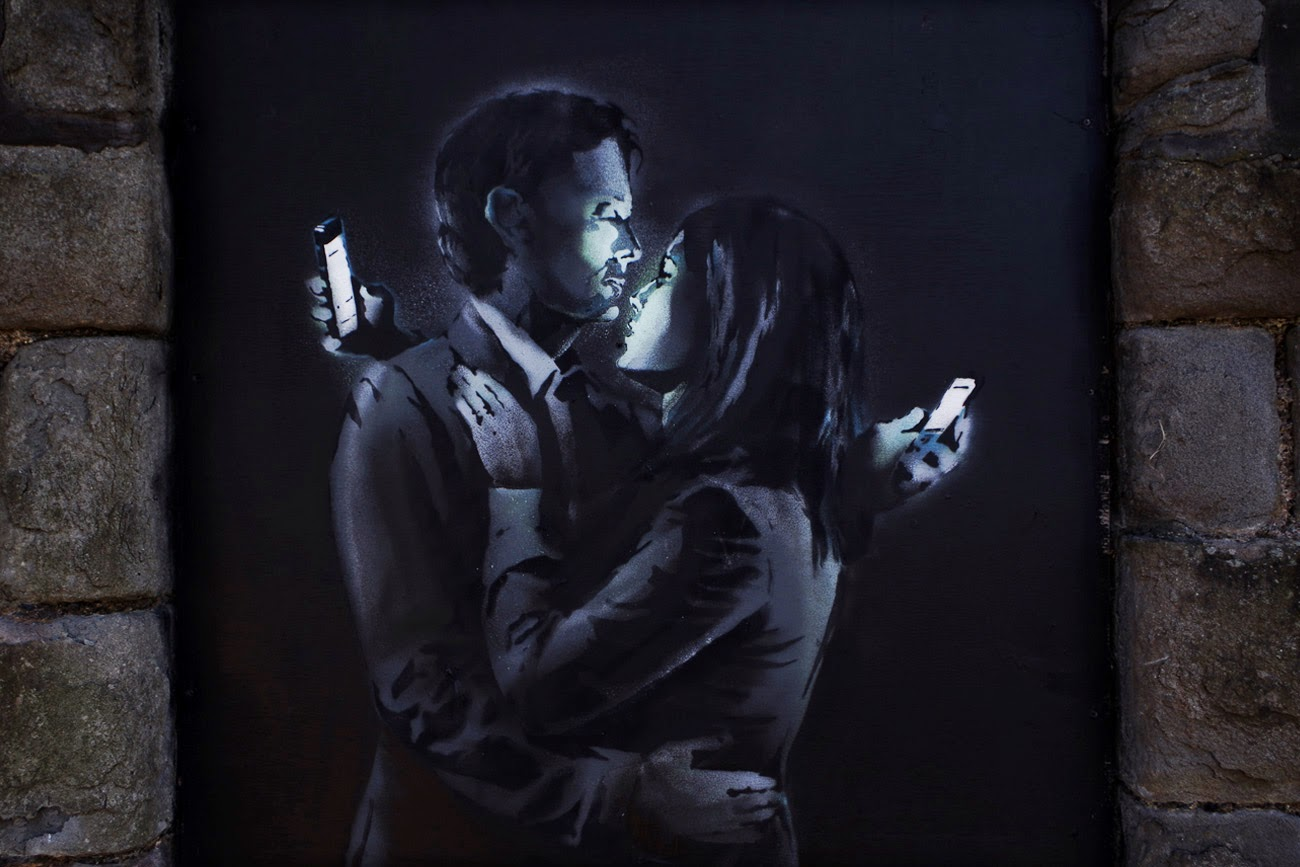 Mobile Lovers graffe de Banksy